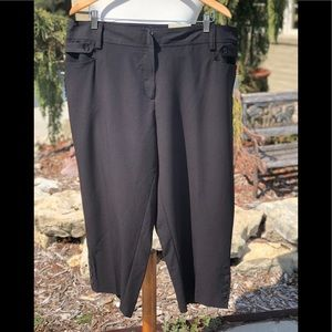 NWT size 18 Dressbarn black slim leg crop pants